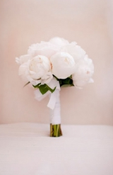 simple white peony bouquet