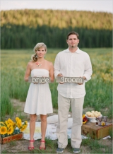 bride_groom_signs