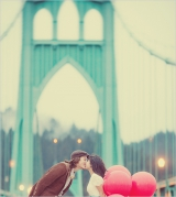 red ballon engagement shoot