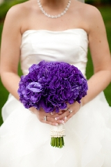 purple bride's bouquet, modern purple New England wedding, Deborah Zoe Photography