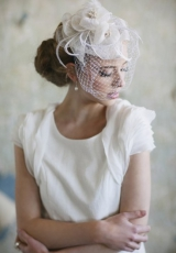 bridal-fascinator-femme-bride-fashion-ruche