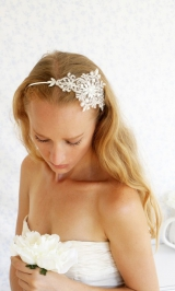 Little-white-dresser-wedding-hair011