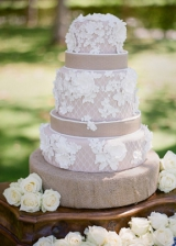taupe-lace-wedding-tabletop-design