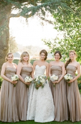 bridesmaids-in-taupe
