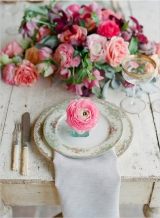 peach-pink-vintage-wedding-inspiration-kelly-oshiro-elizabeth-messina