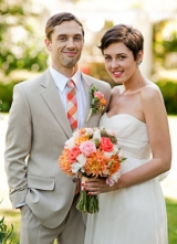 Bridal makeup looks, bold lip brides, orange wedding flowers