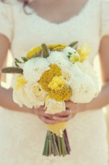 Yellow and white bride and bridesmaid bouquet