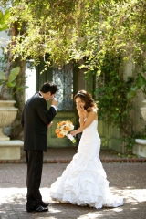 orange green lime bouquet, first look, private estate wedding, pacific palisades california, Ira Lip
