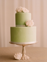 green white cream flower wedding cake vintage