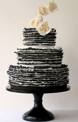 black wedding inspiration, black wedding details, black wedding color, intricate cake