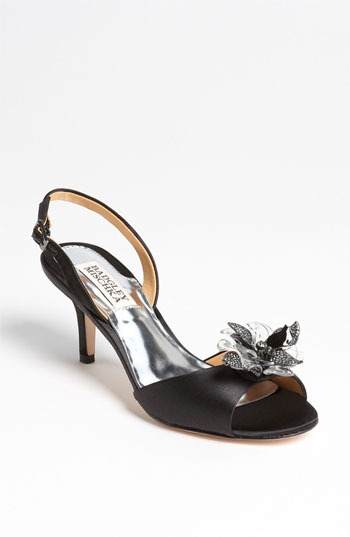 Badgley Mischka 'Clare' Pump