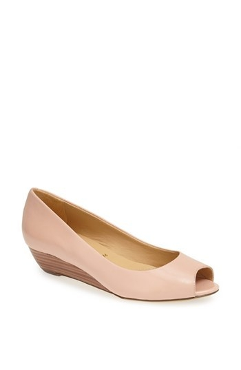 Trotters 'Lonnie' Peep Toe Pump