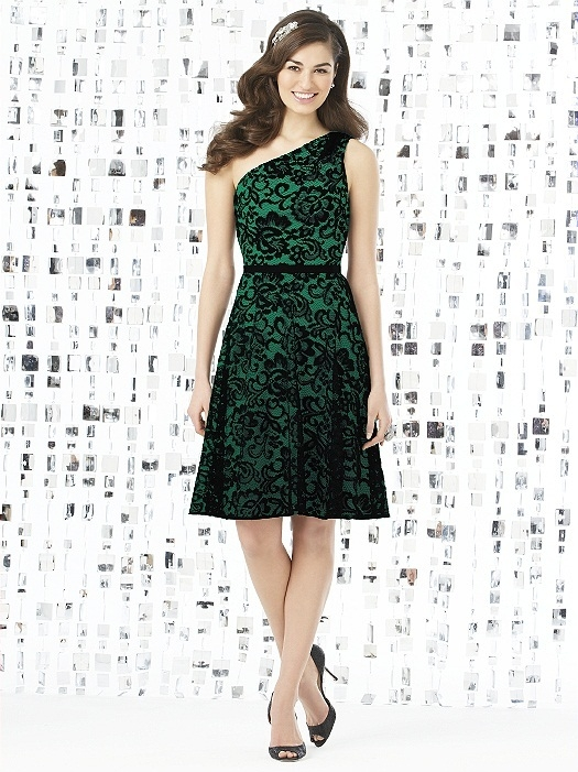 Social Bridesmaids Style 8141 in PANTONE Emerald