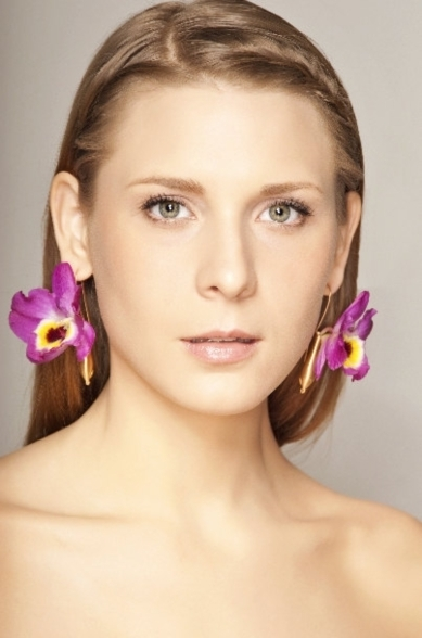 Fleurings Brushed Gold MiniVase Bridal Earrings that Hold Real Fresh Flowers