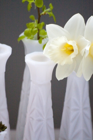 White Milk Vase Collection Matching Set of 5 Large and One Small Great for Wedding Decor