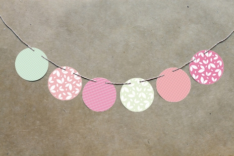 Retro Floral Garden Circle Garlands by The Lovely ...