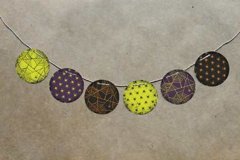 Spirited Halloween Circle Garlands by Heather Fran...