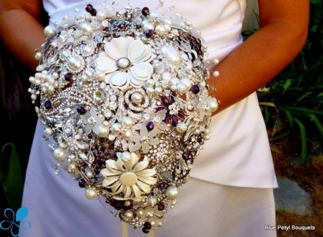 Tear-Drop Brooch Bouquet