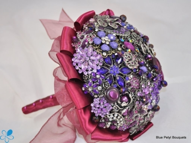 Sangria Brooch Bouquet