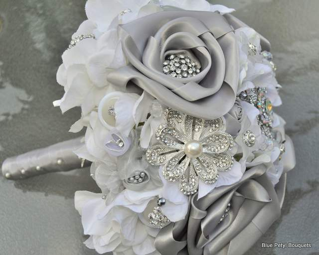Couture Rose Bouquet HL11