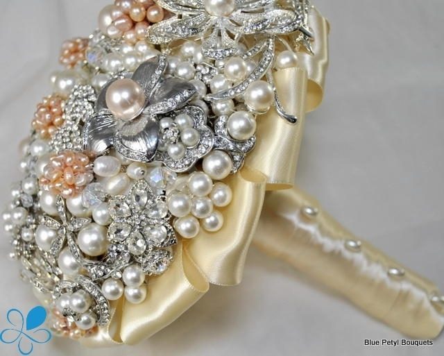 Champagne ' Pearls Bouquet BB12