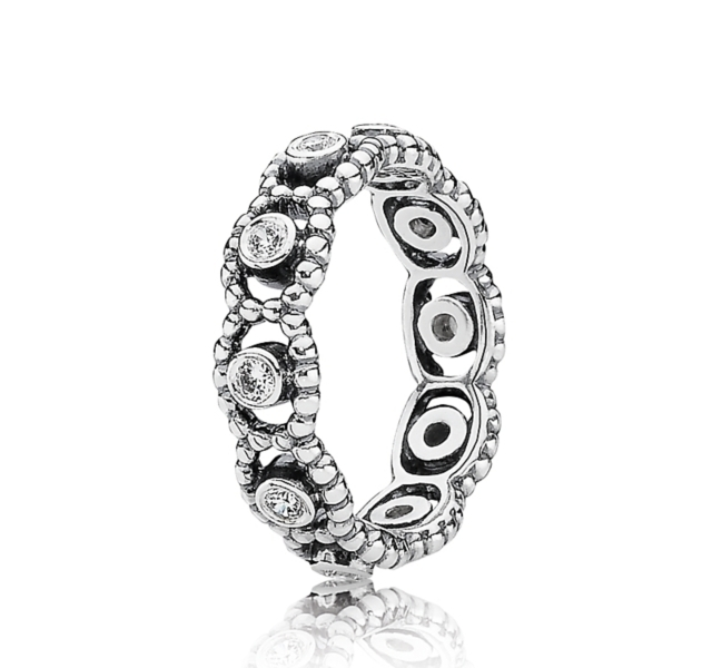 PANDORA Ring - Her Majesty Cubic Zirconia