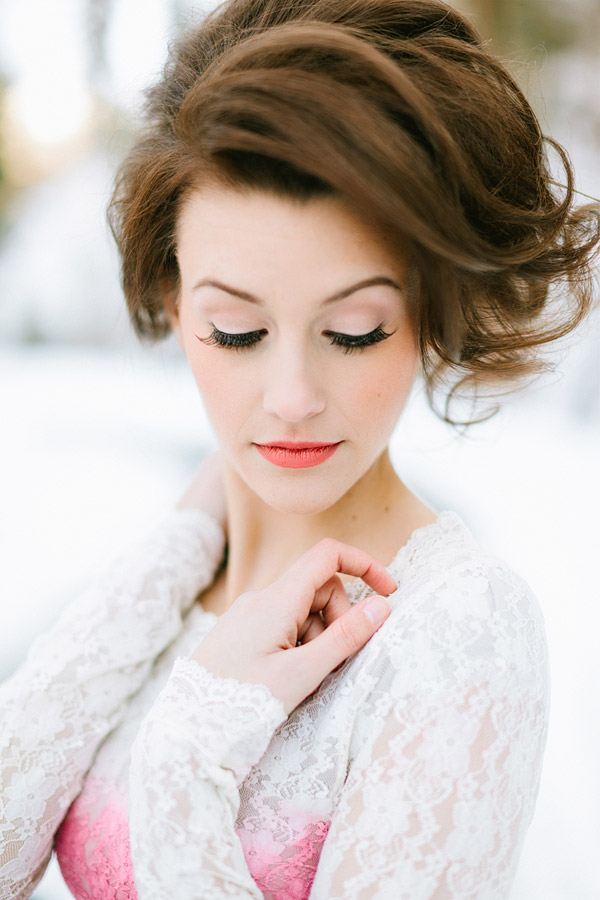 Magical Winter Wedding Shoot: Roses Snow & Red Velvet