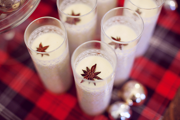 winter wedding ideas, unique winter wedding ideas, egg nog cocktial