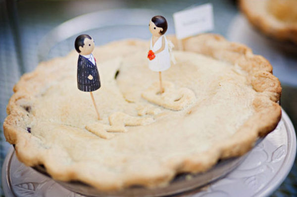 pie at wedding, wedding pie, cute wedding pie ideas,